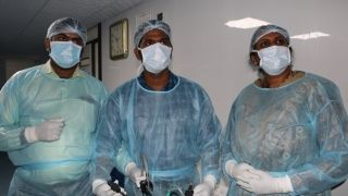 Surgeons performing Laparoscopic Appendicectomy, Cholecystectomy and TAPP Trans Abdominal Preperitoneal Inguinal Hernia repair on the Live Tissue.