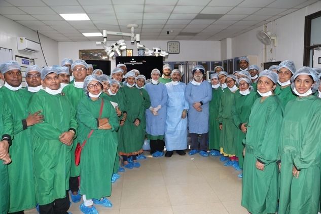 Live Demonstration of Total Laparoscopic Hysterectomy surgery after bussy OR sation All F.MAS doctors with Prof Dr R. K. Mishra and Dr J. S. Chowhan.