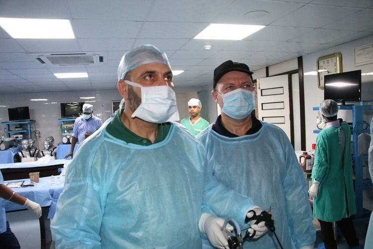 Hands on Training in Minimal access surgery, Surgeon Practicing Laparoscopic Nissen Fundoplication, Nephrectomy and Splenectomy surgery on the live Tissue Demonstration by Prof. Dr. R. K. Mishra.