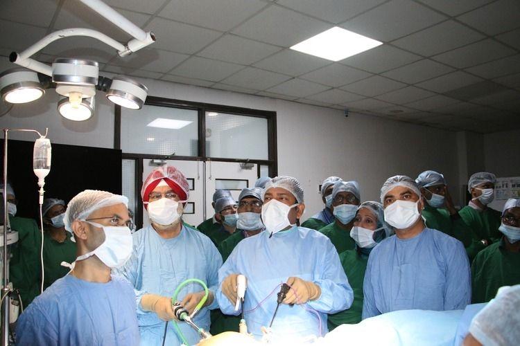 Live Laparoscopic hysterectomy Surgery Demonstration by Prof. Dr. R. K. Mishra.