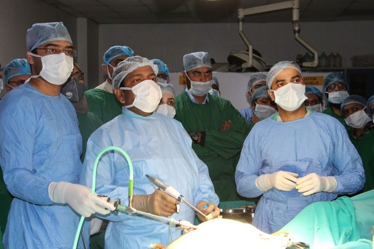 Live Demonstration of Laparoscopic Hysterectomy surgery Demonstration by Prof Dr. R. K. Mishra.