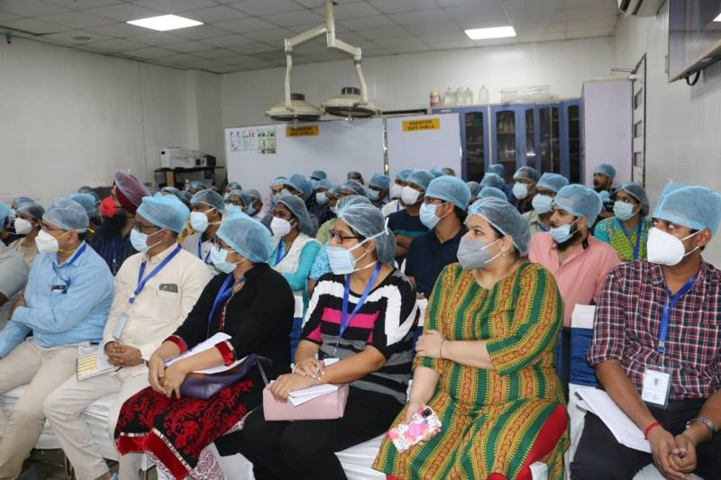 First day of October 2021 batch Laproscopic Surgery Training, Prof Dr. R. K. Mishra Explaining and Demonstrate to Laparoscopic Instrument Designing, Port Access Instruments, Dissecting instruments, Various Graspers, various Scissors.