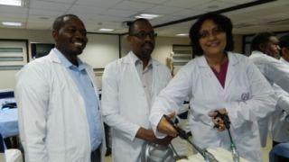 Surgeons & Gynecologist practicing Roader, Meltzer & Mishra Knot Demonstration by Prof Dr. R . K . Mishra