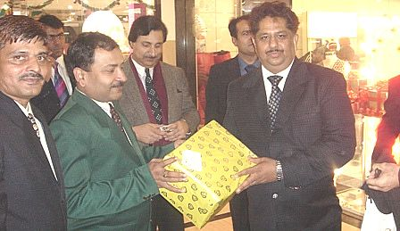 Mr. Suresh Malik renowned leader of west Delhi was the chief guest of certification ceremony of batch December 2007