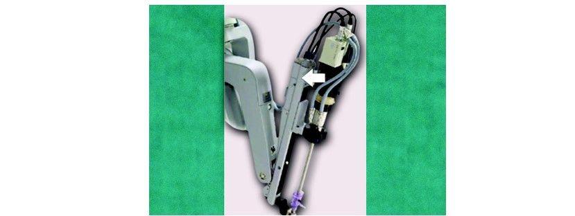 Endoscope insertion into camera arm sterile adaptor of the camera arm