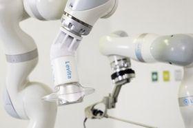 चुंबकीय रोबोट-असिस्टेड सर्जरी लेविटा मैग्नेटिक्स के साथ की गई